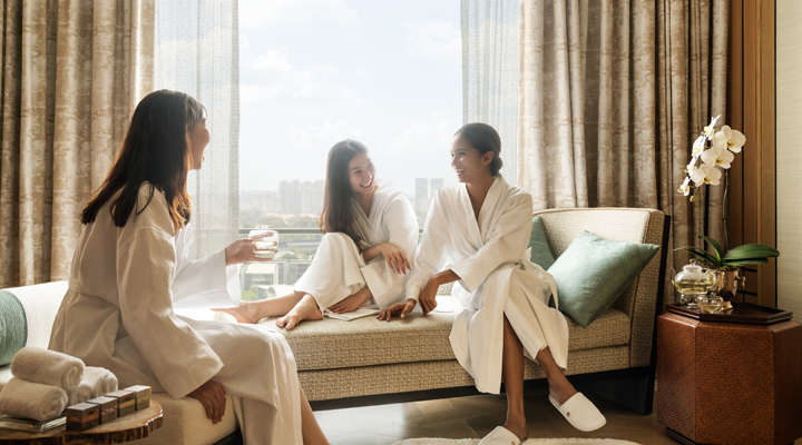 Enjoy a pampering spa session together with your close friends.